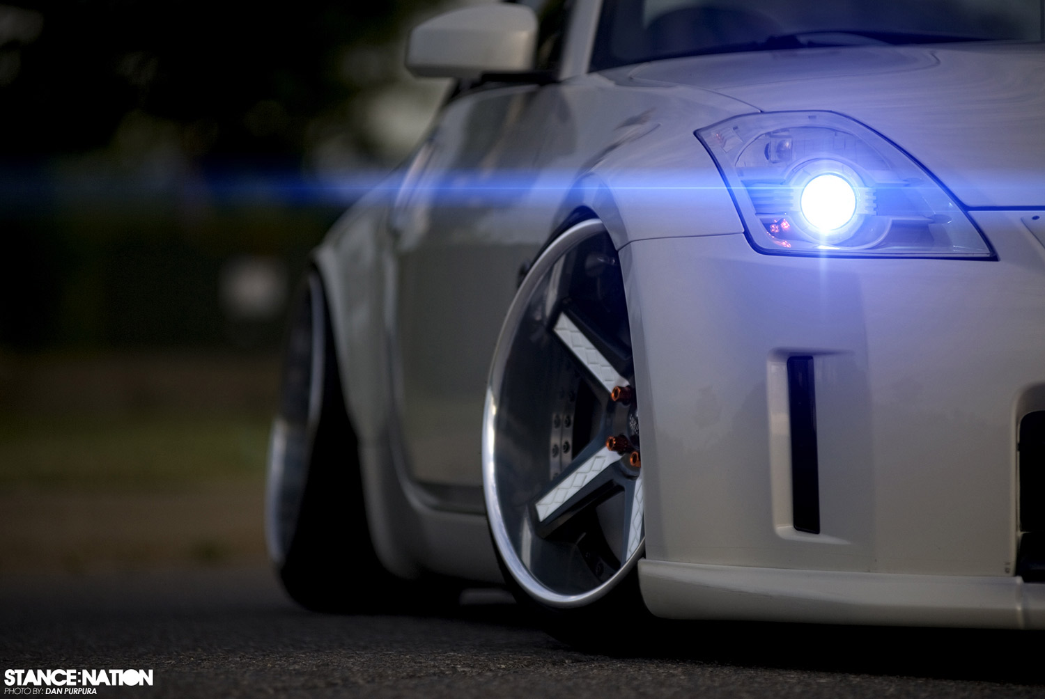 Nissan 350Z  Fitted With 19 Inch Luxury Abstract Grassor-C