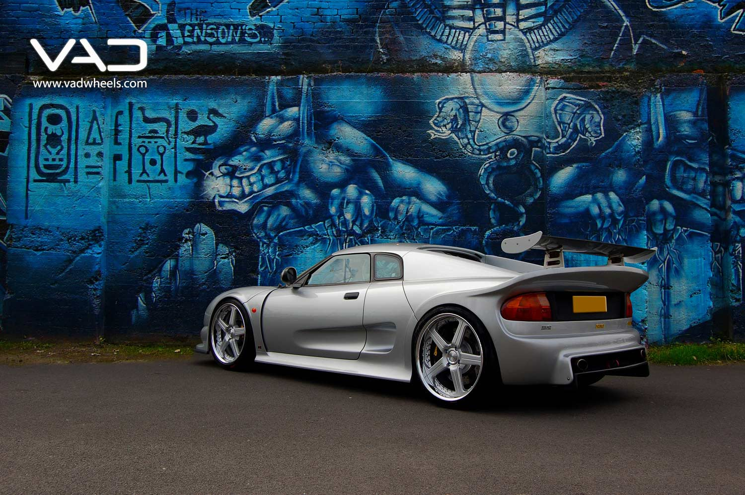 Noble-GTO-Fitted-With-19''-Trafficstar-RTS-Silver-Rear-Profile