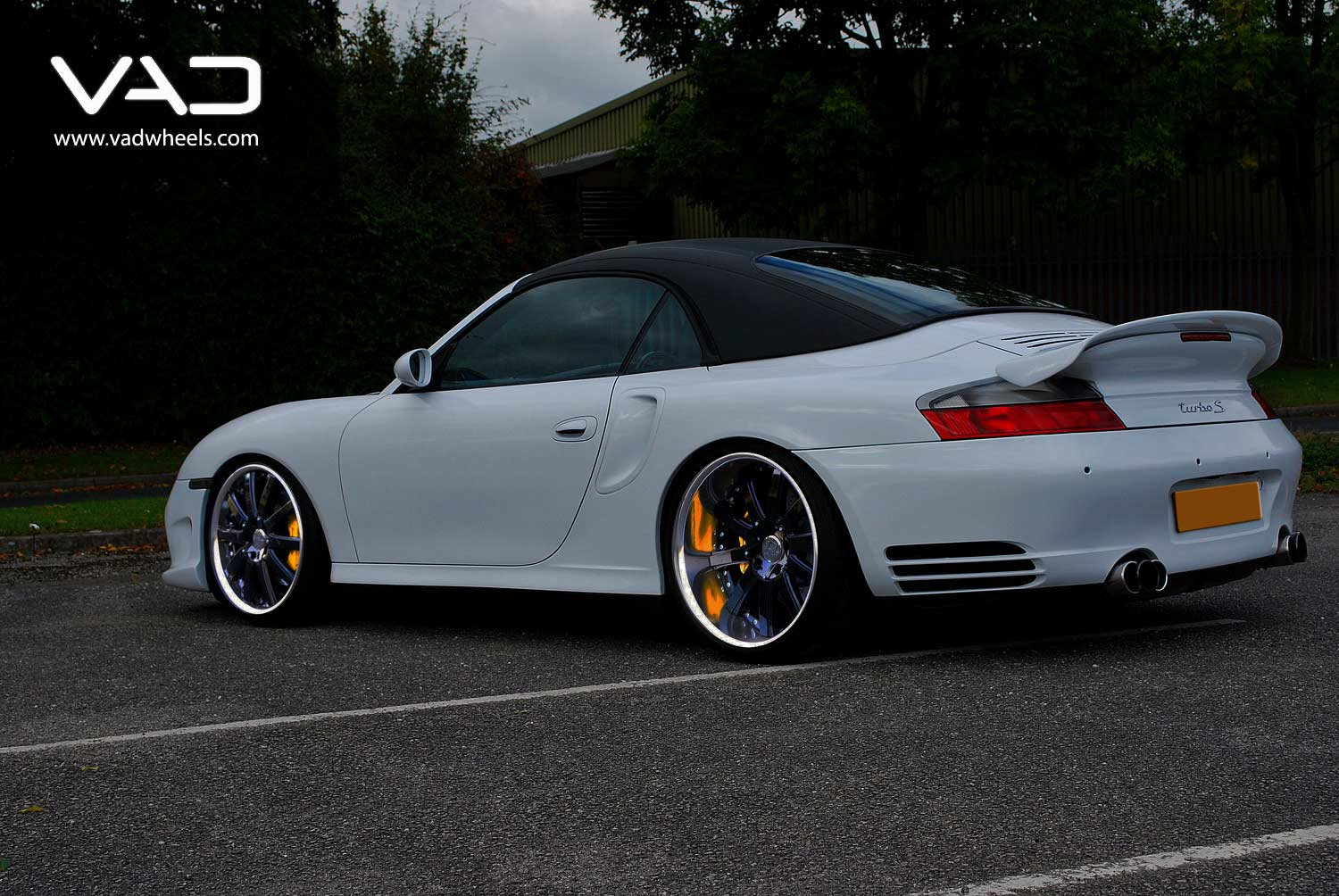 Porsche-996-Turbo-Cabriolet-Fitted-With-20''-Altstadt-F100-Gloss-Black