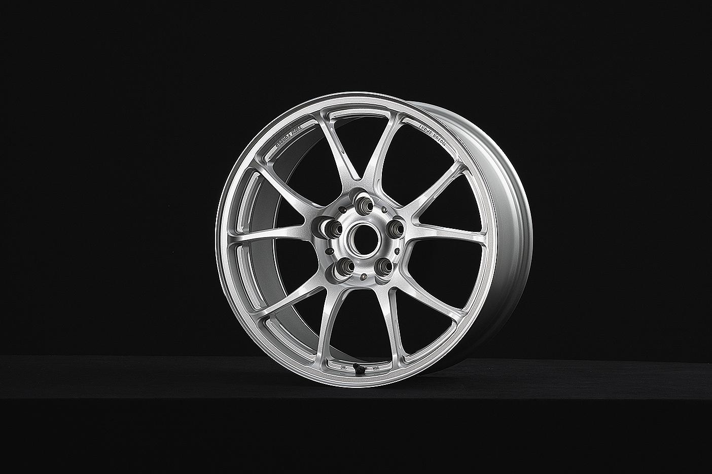 T66-F 18inch Gloss Silver