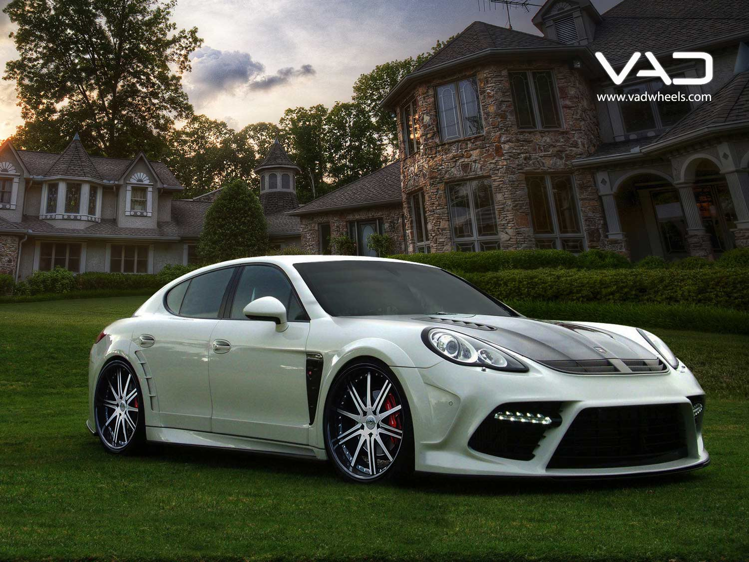 Porsche-Panamera-Fitted-With-22''-Alstadt-W150