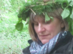 wearing at tree crown at Forest School training