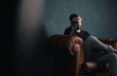 Myślenie człowieka na kanapie