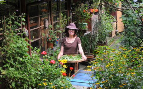 AT HOME WITH VENETIA IN KYOTO -LIFE STYLE