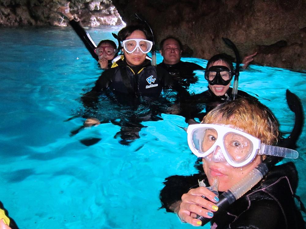 恩納村青の洞窟ダイビングシュノーケリング