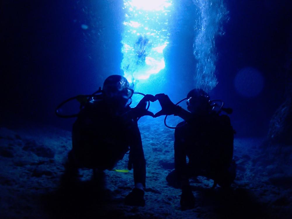 ジンベエザメ青の洞窟体験ダイビング