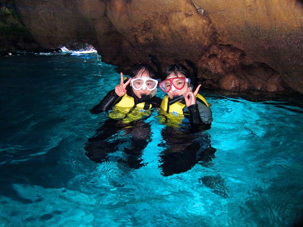 恩納村青の洞窟