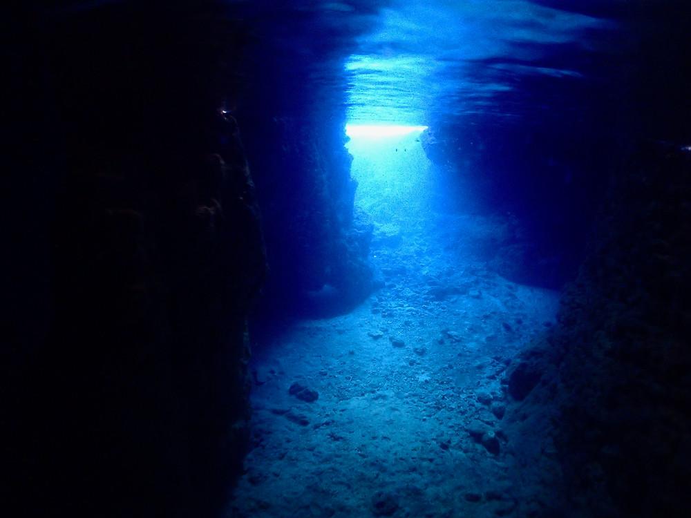 恩納村青の洞窟体験ダイビングシュノーケリングファンダイビング