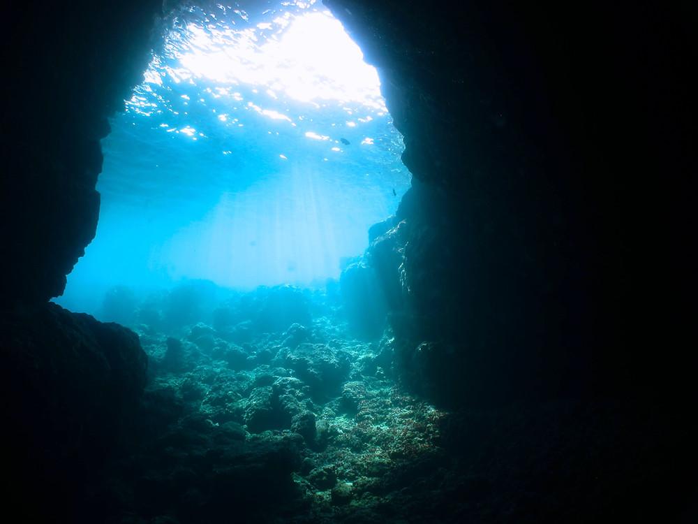 恩納村青の洞窟ダイビング