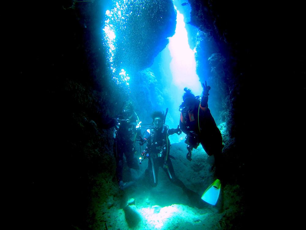 恩納村青の洞窟万座北部ゴリラチョップダイビング