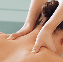 LS2613_UK_Skin_Care_Academy_-SERVICE_0001_shoulder_massage.jpg