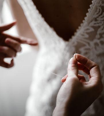 Claudine, créatrice de la boutique de robes de mariées à Lorient