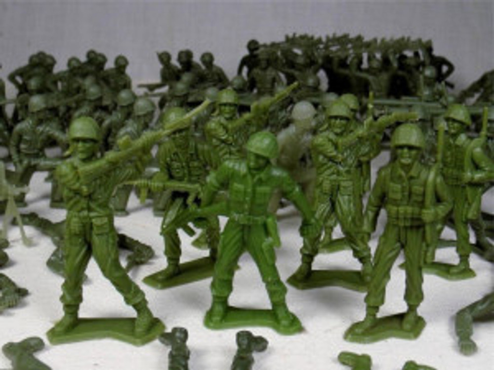 plastic-toy-soldiers