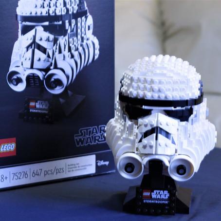VIDEO: LEGO Star Wars Stormtrooper Helmet Time-Lapse Build