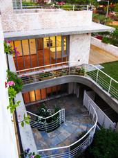 Circle Stair House