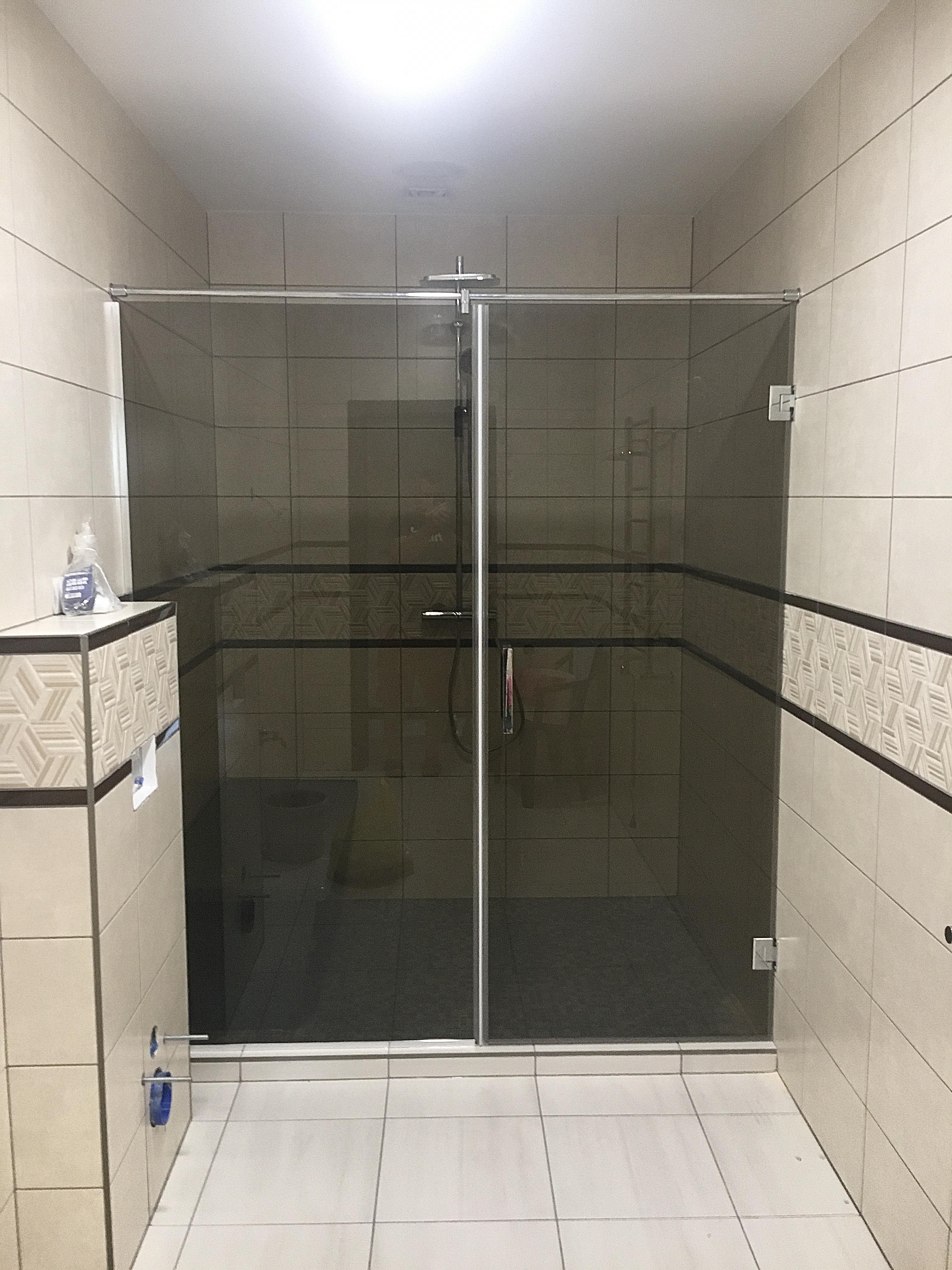 Dušas stikli
