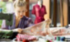 fashion-designer-working-in-studio_edite