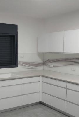 מקלחון הצפון - חיפוי זכוכית למטבח