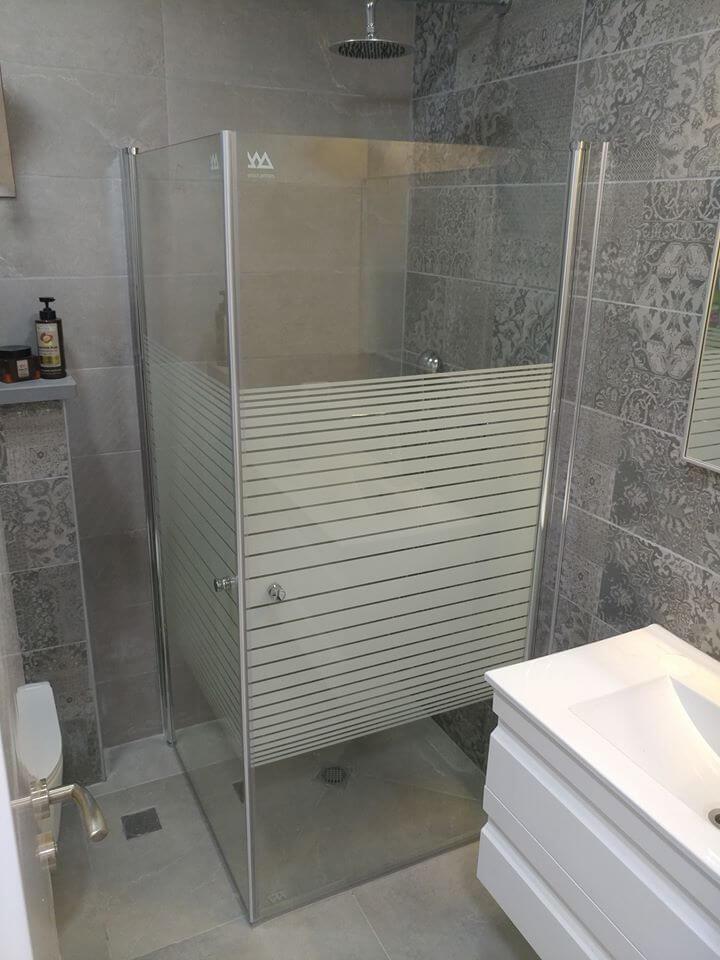 מקלחון פינתי דוגמה 13