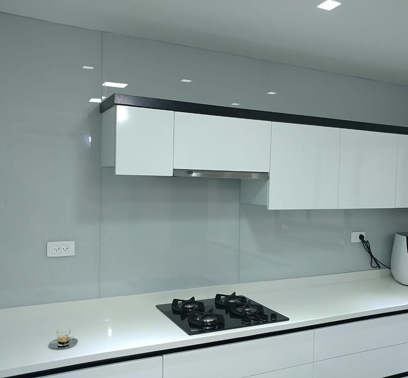 חיפוי זכוכית למטבח דוגמה 11