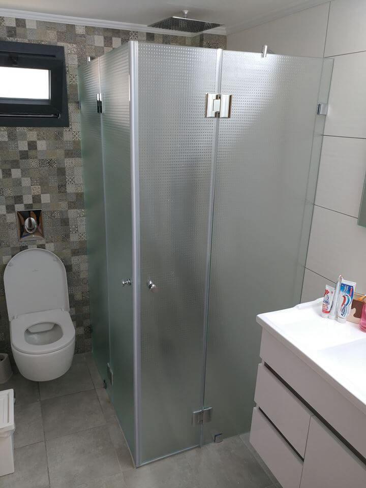 מקלחון פינתי דוגמה 15