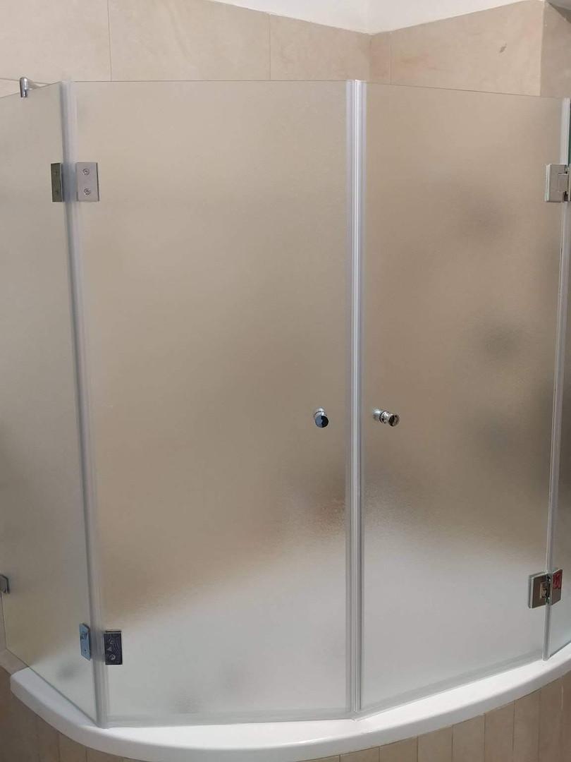 מקלחון אמבטיה דוגמה 11