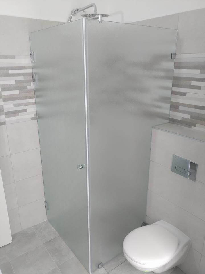 מקלחון פינתי דוגמה 3