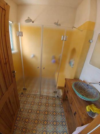 מקלחון חזית דוגמה 14