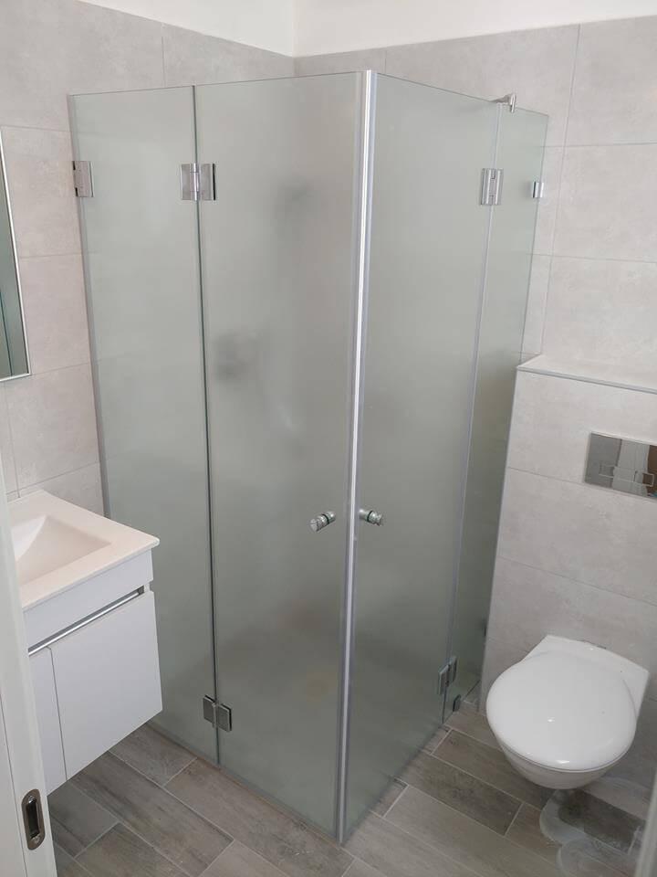 מקלחון פינתי דוגמה 7