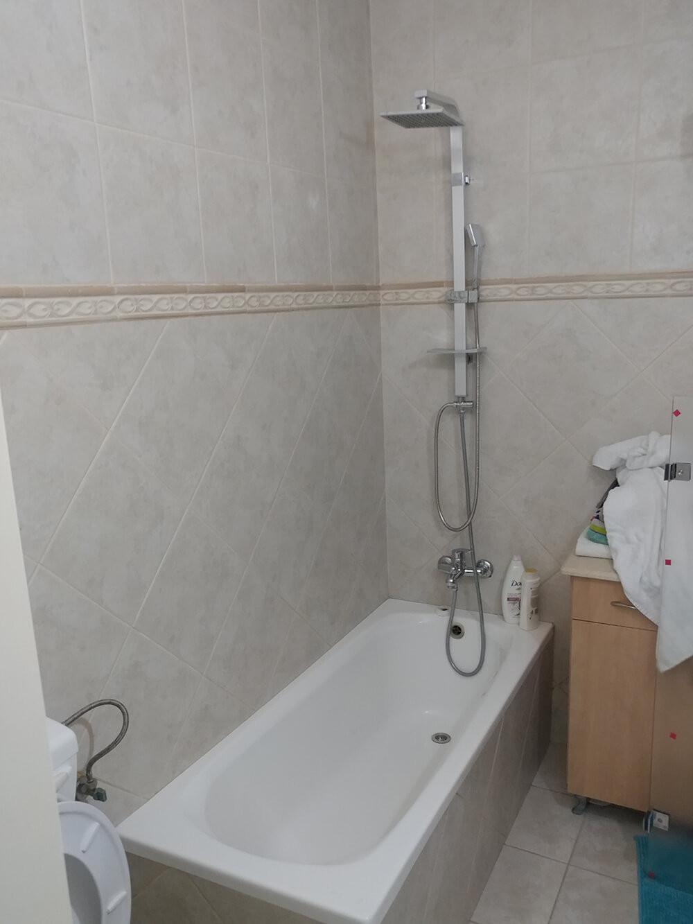 לפני ההתקנה של המקלחון אמבטיה