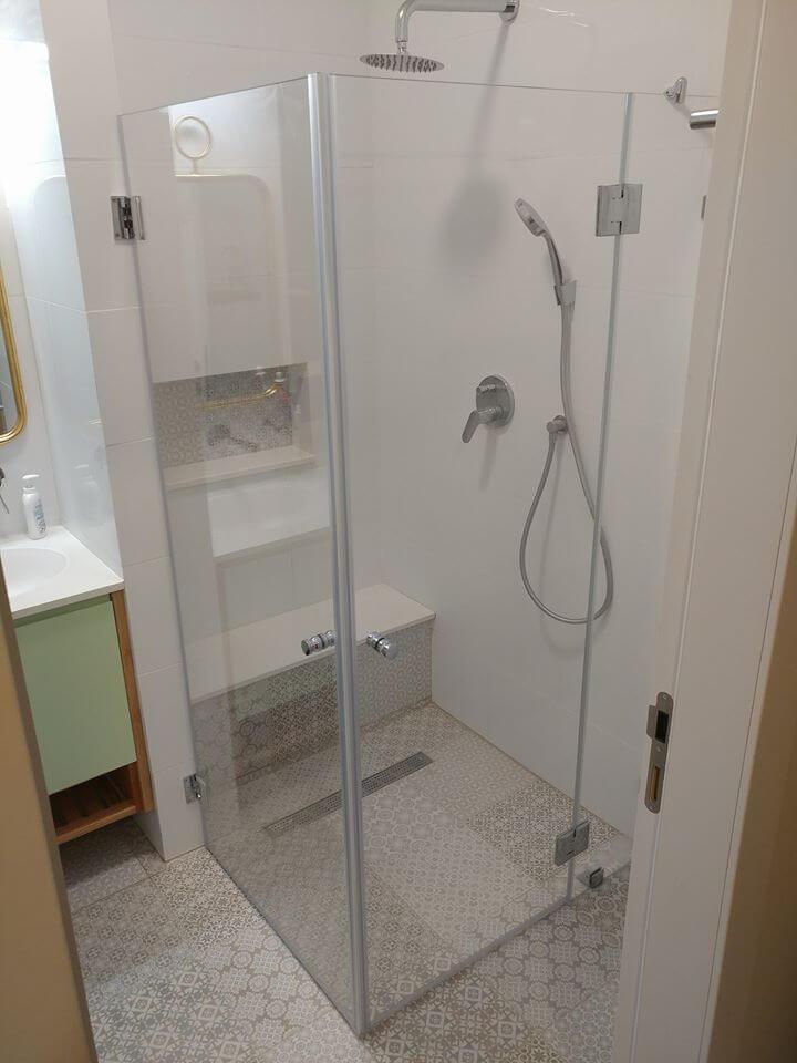 מקלחון פינתי דוגמה 2