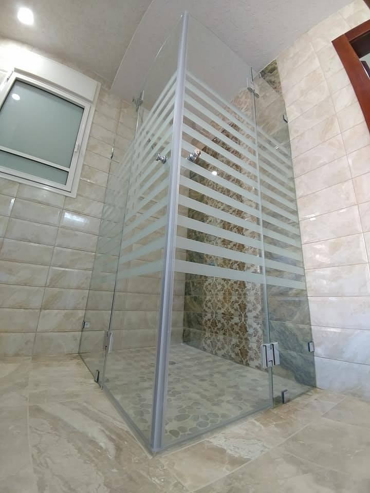 מקלחון פינתי דוגמה 11