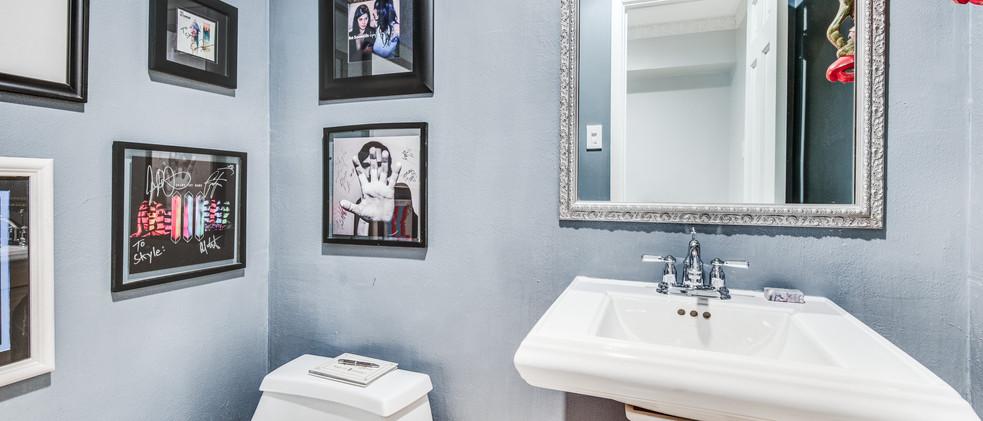 829_Knott_foyer bathroom.jpg