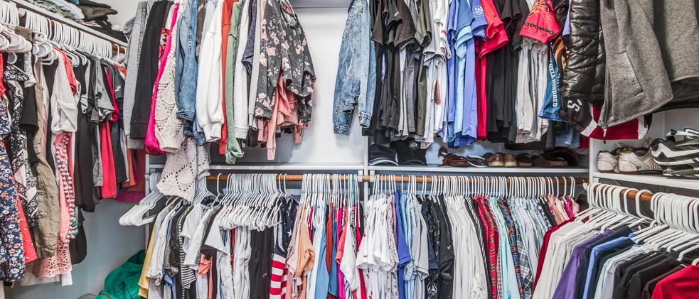 829_Knott_walk-in closet.jpg