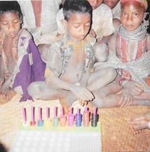 Bondo children (Sunkri) with abacus.jpg