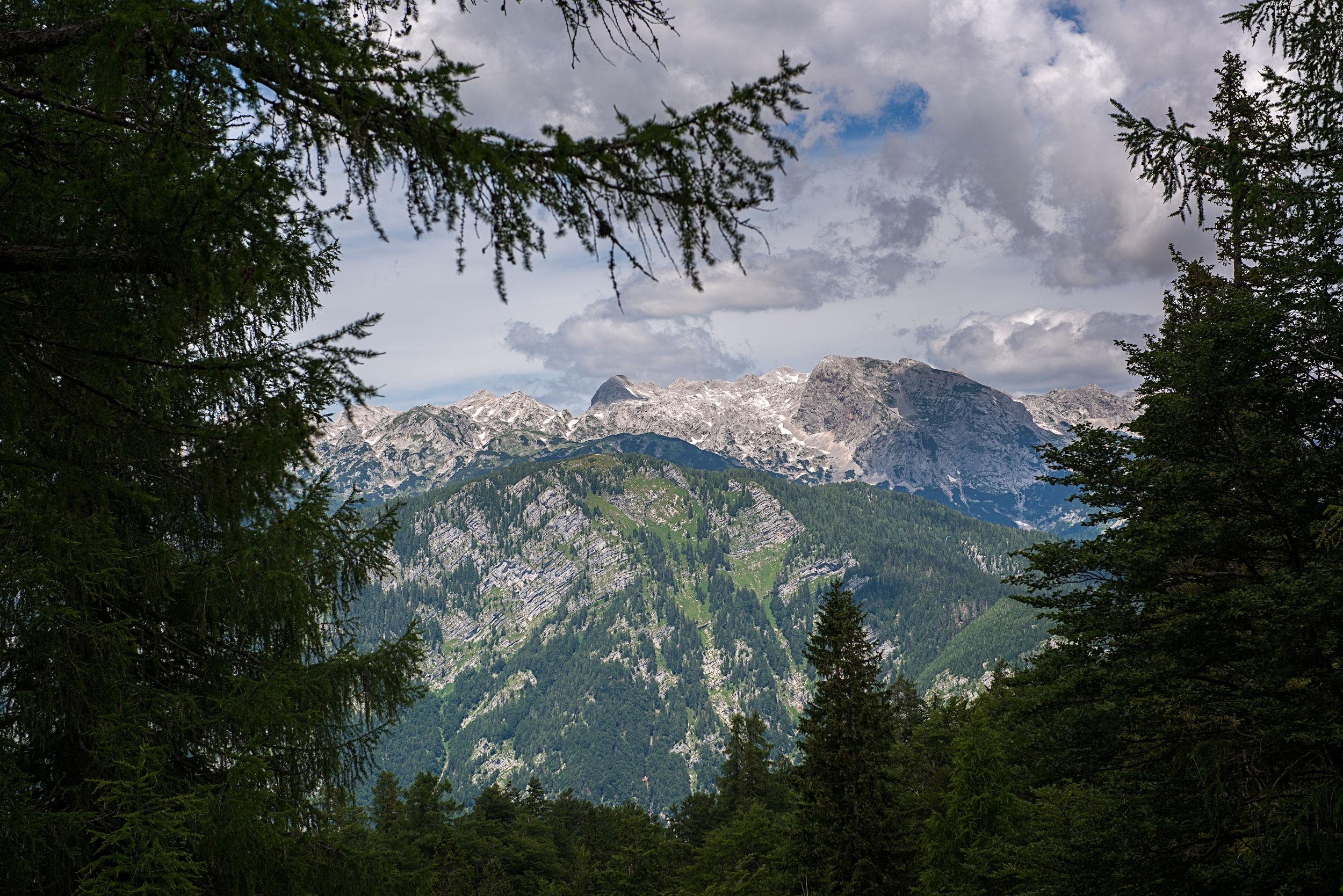 Ascenso al Vrsik