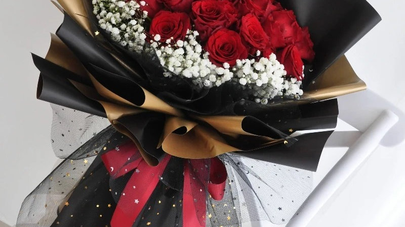 24 Red Roses Bouquet1