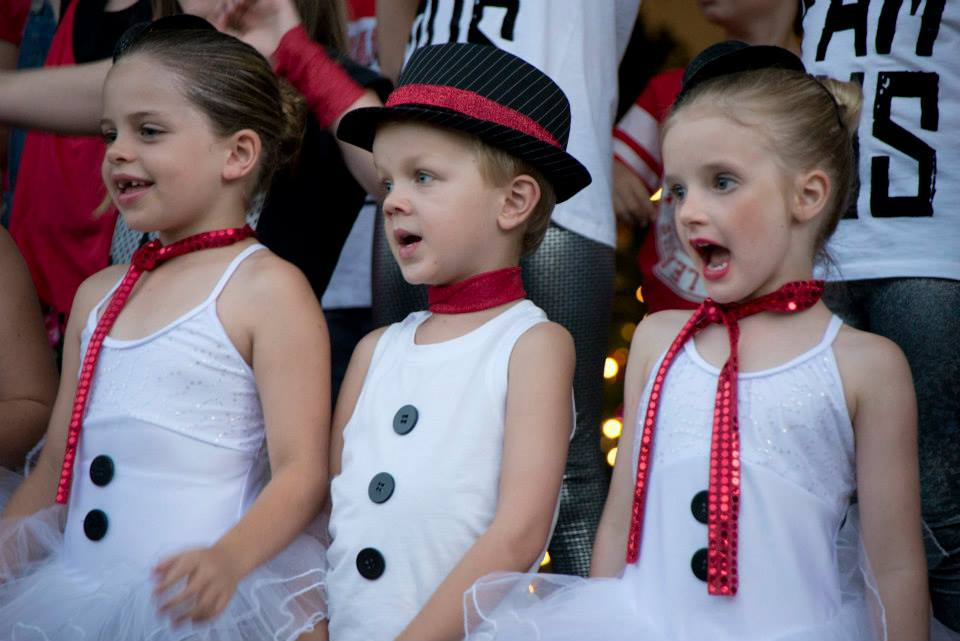 "Junior Kids performed ""In Summer"""
