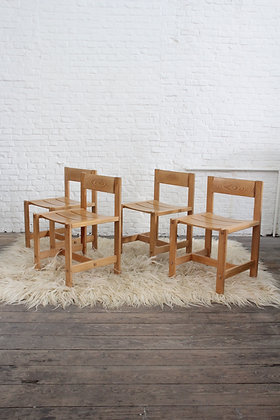 Set of 4 pinewood dining chairs, '70