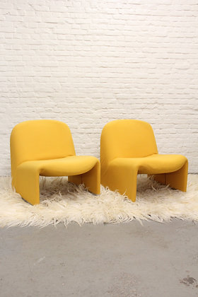 Pair of yellow Alky Lounge Chairs by Giancarlo Piretti for Artifort