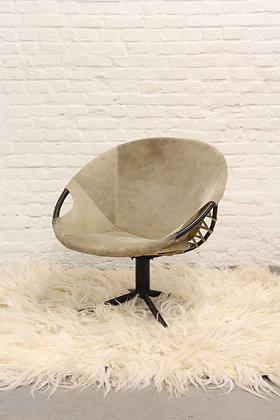 Swivel Balloon Chair
