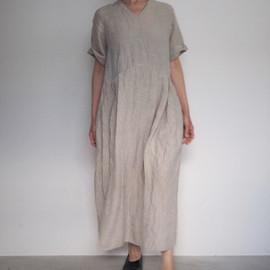 LINEN DUNGAREE VNECK TUCK DRESS