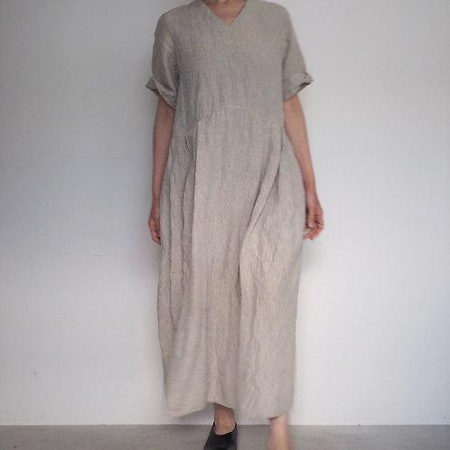 #283-33 リネンダンガリーVネックタックドレス(五分袖)