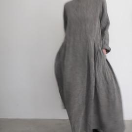 リネンダンガリーラウンドネックタックドレス