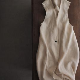 linen-wool long vest