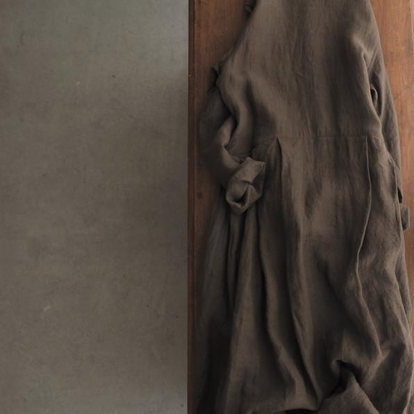 リネンラウンドネックタックドレス