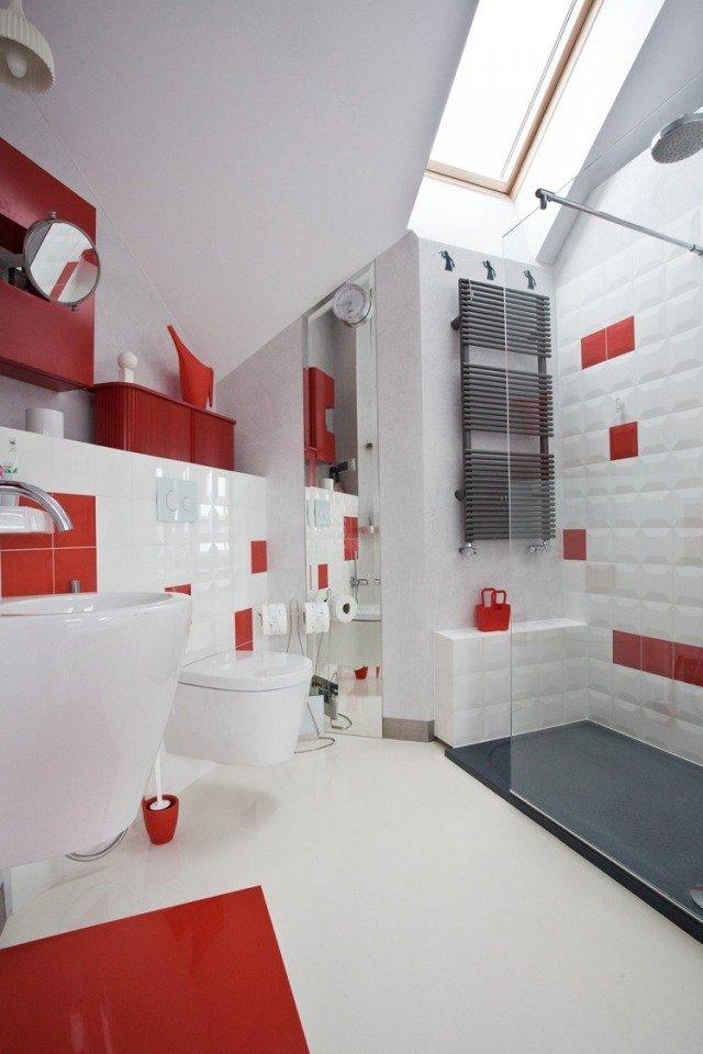 Design Petite Salle Bains Moderne Blanc Rouge