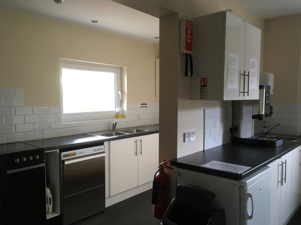 Kitchen - Cooker side