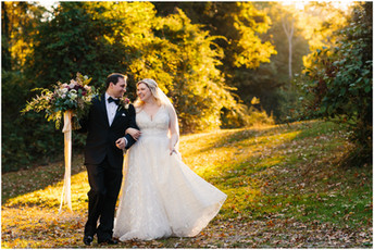 Sara & Mike - Springwood Manor Wedding Photos {Pittsburgh Wedding Photographer}