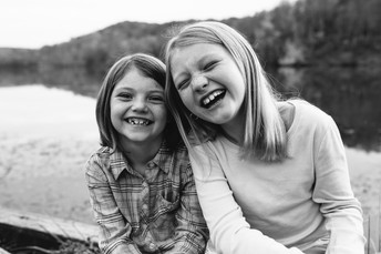 Maddie & Kenzi - North Park Family Photos {Pittsburgh Family Photographer}